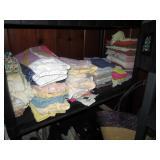 Back Bed Room: Towels