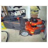 Garage: Husqvarna Lawn Mower Hu775BBC