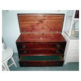 Middle Bed Room Lane Cedar Chest