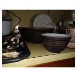 Kitchen: Terra Pyrex Bowls