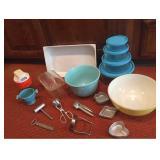 Vtg Kitchen Items