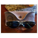 Vtg Ray-Ban Sunglasses