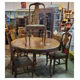Vtg Queen Anne Walnut Table + Five Chairs