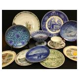 Vtg Souvenir Style Plates