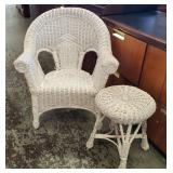 Vtg Wicker Chair & Table