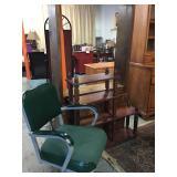 Office Chair & 2 Shelves