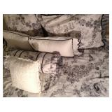 Toile Bedding Set