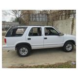 1998 GMC JIMMY CASH ONLY ON THIS ITEM! ALL WINDOWS WERE BLOWN OUT DURING RECENT TORNADO GREAT PARTS