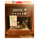 Silvertone Radio/Phonograph