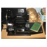 FEATHER WEIGHT 221-1 SEWING MACHINE
