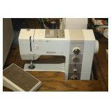 BERNINA 930 SEWING MACHINE