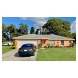 Corner Lot 3BR/2BA Rental Home, Summerfield, FL