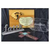 """Isiah 40:31 wood plaque, Faith standing plaque, Indiana Glass Co. """"Lords Supper"""" bread tray, and Tea"""