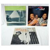 1120LOT OF THREE JAZZ ALBUMS ON BLUE NOTE RECORD LABEL; HERBIE HANCOCK MAIDEN VOYAGE, HEY THERE THE