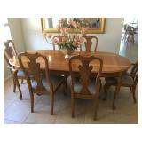 Thomasville Dining Table w/2 leaves & 6 chairs