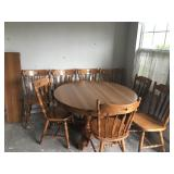 Dining table w/ 8 chairs & 3 table Leaves