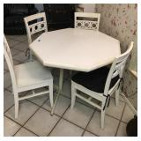Kitchen table Set w/4 chairs