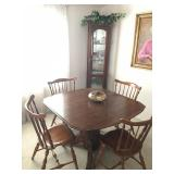 Oak Dining Table w/ leaf / (4) Maple chairs - priced separately