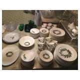 Holiday Plates - (2) Sets