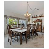 Dining Room Table w/6 leaves! (4 shown in table)