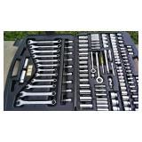 863072-Stanley Mecahnics Tool Set