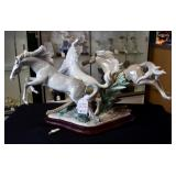 D54 #13 Born Free Lladro #1420 *One Leg As-Is*