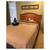 BROYHILL Queen bed & mattress