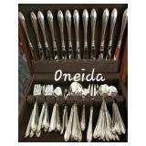 Nice Oneida flatware set