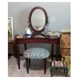 BOMBAY CO. Vanity and stool