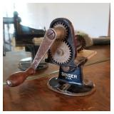 Singer Hand Crank Sewing Pinker