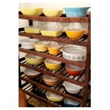 Large selection of VINTAGE PYREX / Vintage pie (drying) rack