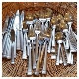 Very nic Wallace flatware set