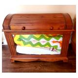 nice quild display chest
