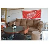 Sofa Red Wings Flag