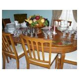 Traditional dining set with leaf and custom table pads