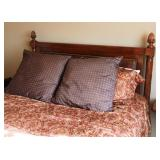 Mahg. & Leather Queen Size Bed
