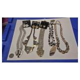 https://www.ebay.com/itm/114174497231 AB0005 COSTUME JEWELRY NECKLACE & EARRING LOT $20.00 BOX 74  A