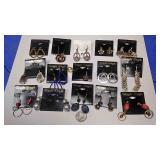 https://www.ebay.com/itm/124142906695 BOX074AB COSTUME JEWELRY LOT OF FIFTEEN PIERCED EARRINGS $20.0