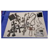 https://www.ebay.com/itm/124141881872 BOX074L COSTUME JEWELRY CHRISTIAN CROSS NECKLACE LOT $20.00 LO