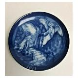 https://www.ebay.com/itm/124082605691 SM3026: BLUE AND WHITE PORCELAIN PLATE DECORATIVE PAX IN TERRA