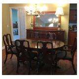 Henkel Harris Mahogany Table, 4 leaves and 8 chairs