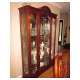 Stunning Thomasville Lighted Glass Mahogany China Display Cabinet