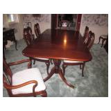Link-Taylor Heirloom Solid Mahogany Dining Room Suite