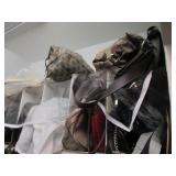 Tons of Designer Handbags & Clothing ~ W-Shoes 6-1/2-7