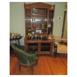 Stylish Antique Display Cabinet/Bar