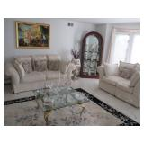 Beautiful Levitz Gently Used Classic House Signature Collection Living Room Suite