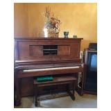 Player piano. Farrand Cecilian