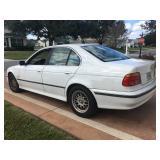 1999 BMW 528i, 303,000 miles, needs body work $700.00