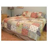 King Size Bed / Mattress & Box Spring Set, Bed Linens / Bedding
