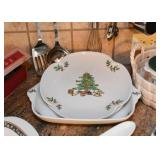 Christmas Dishes & Serving Pieces